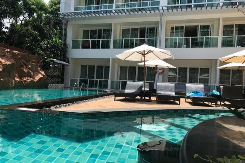 Pattaya ab 1288 € 6