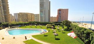 Hotel Axis Vermar Pool