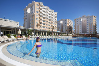 Hotel Ramada Resort Lara Pool