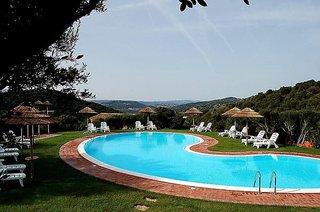 Hotel The Originals Aldiola Country Resort Pool