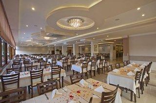 Hotel Titan Garden Restaurant