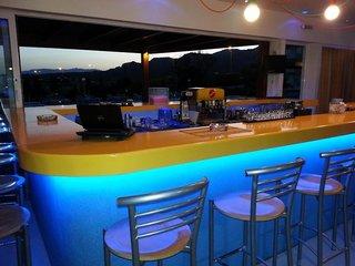 Hotel Zoes Hotel-Studios Bar