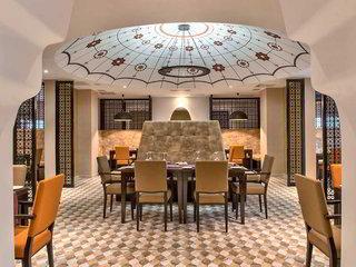 Hotel db San Antonio Hotel & Spa Restaurant
