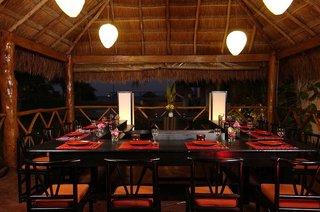 Hotel Dos Playas Beach House Hotel & Maya Caribe Beach House Hotel Restaurant
