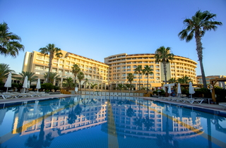 Hotel Fame Residence Lara & Spa Außenaufnahme
