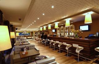 Hotel Royal Heights Resort Bar