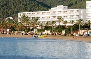Hotel Arenal Außenaufnahme