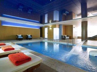Hotel Macaris Suites & Spa Pool