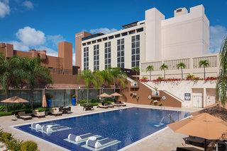 Hotel Barcelo Santo Domingo Pool