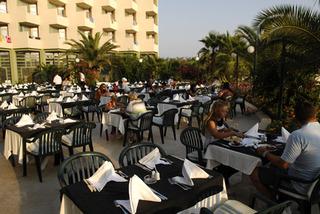Hotel VONRESORT Golden Coast Restaurant