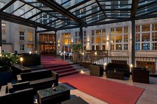 Hotel Wyndham Garden Berlin Mitte Außenaufnahme
