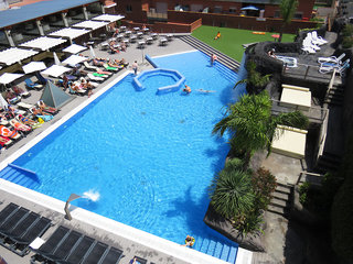 Hotel Papi Pool