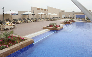 Hotel Metropolitan Hotel Dubai Pool