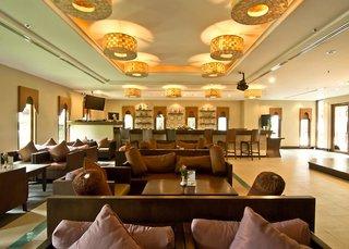 Hotel Ravindra Beach Resort Bar