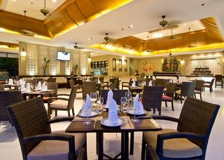 Hotel Ravindra Beach Resort Restaurant