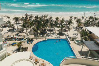 Hotel NYX Cancun Pool