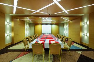 Hotel Crystal Green Bay Resort & Spa Konferenzraum