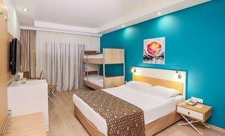 Hotel Crystal Green Bay Resort & Spa Wohnbeispiel