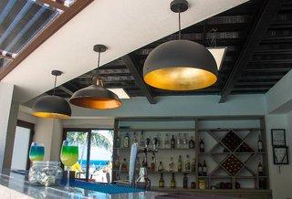 Hotel Dos Playas Beach House Hotel & Maya Caribe Beach House Hotel Bar