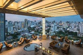 Hotel 137 Pillars Residences Bar