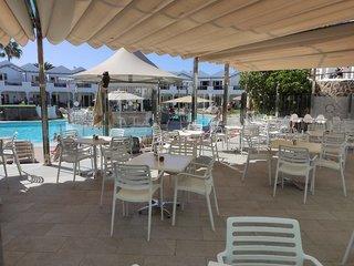 Hotel Turbo Club & Annex Bar