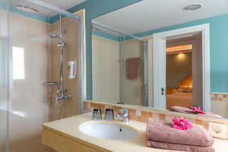 Hotel Bungalows Cordial Biarritz Badezimmer