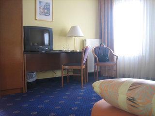 Hotel ACHAT Comfort Hotel Airport Frankfurt Wohnbeispiel