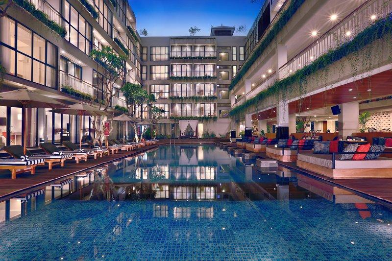 Hotel Neo Kuta Legian Pool