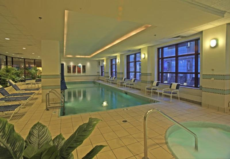 Embassy Suites Chicago Downtown Pool