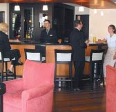Le Cantlie Suites Bar