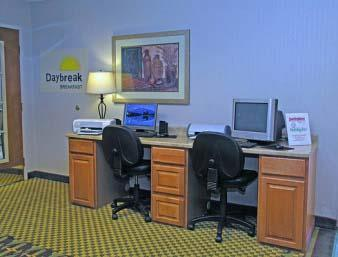 Days Inn & Suites Denver International Airport Internetcafe