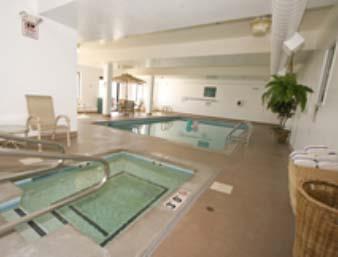 Days Inn & Suites Denver International Airport Hallenbad