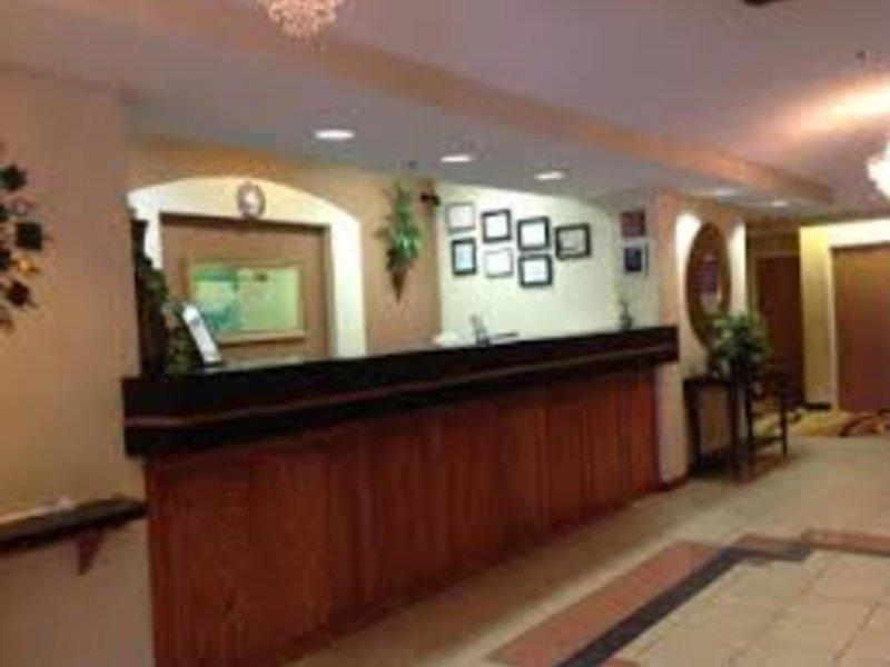 Baymont Inn & Suites Hinesville Fort Stewart Area Lounge/Empfang
