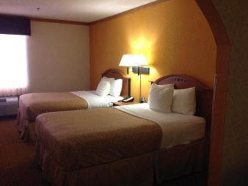 Baymont Inn & Suites Hinesville Fort Stewart Area Wohnbeispiel