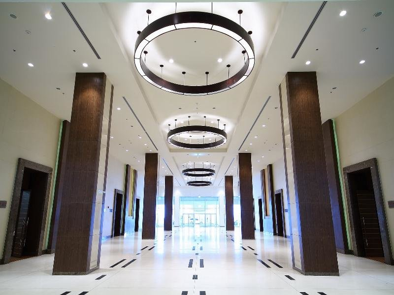 Centra Government Complex Hotel & Convention Centre Lounge/Empfang