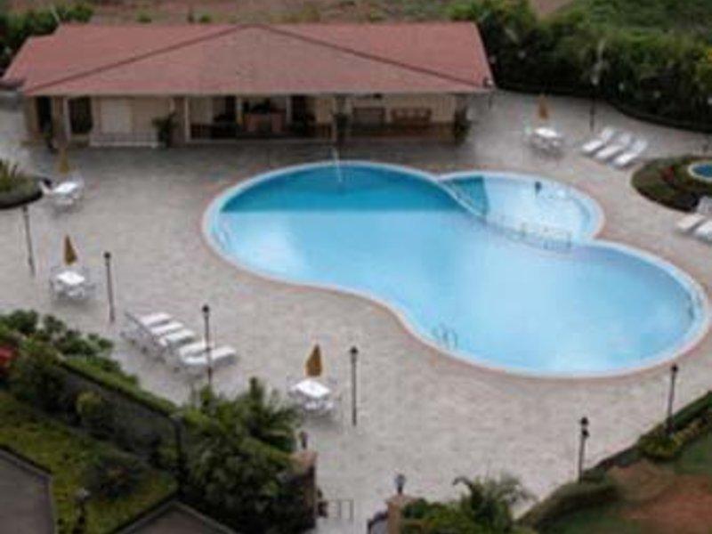 Ramada Powai Pool
