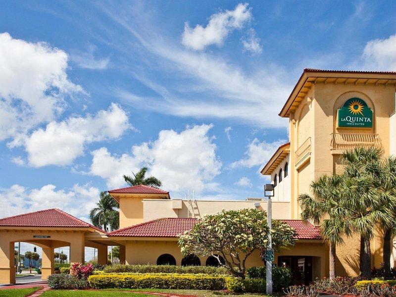 La Quinta Inn & Suites Ft. Lauderdale Cypress Creek Außenaufnahme