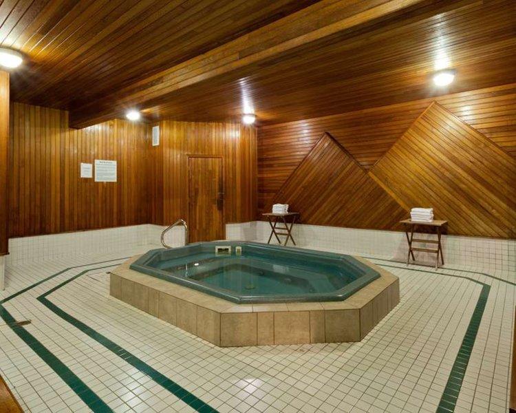 Super 8 Valemount Pool