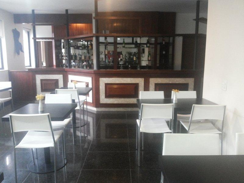 Entremares Bar