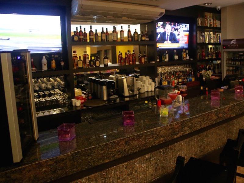 Aranjuez Hotel & Suites Bar