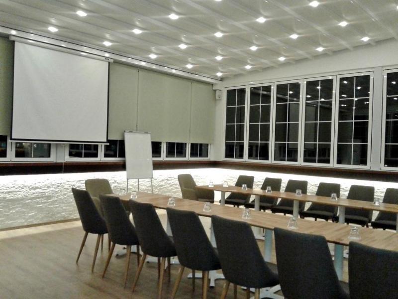 The Capital Tirana Hotel Konferenzraum