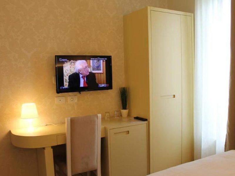 The Capital Tirana Hotel Wohnbeispiel