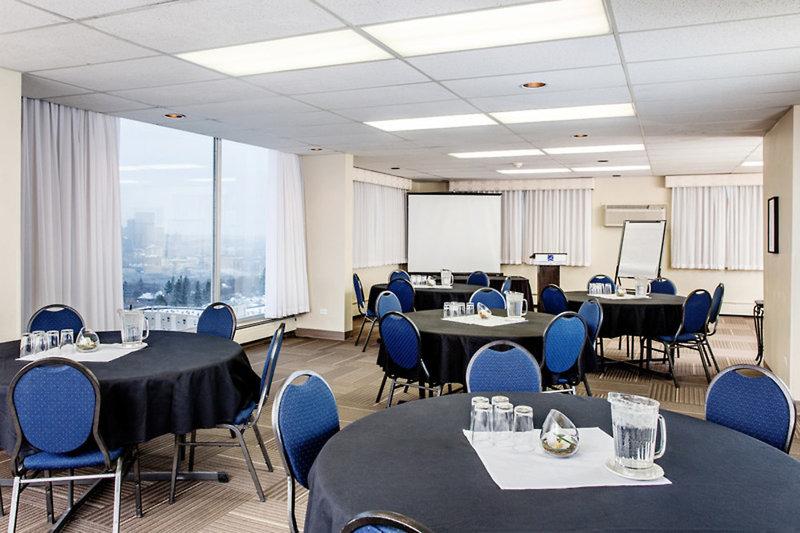 Campus Tower Suite Hotel Konferenzraum