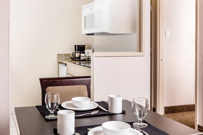 Campus Tower Suite Hotel Badezimmer