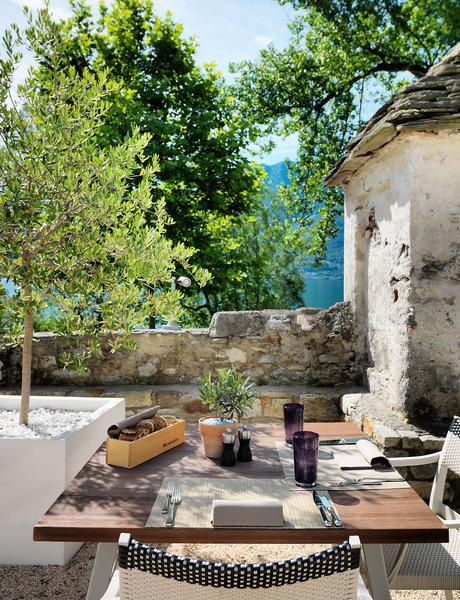 Giardino Lago Restaurant