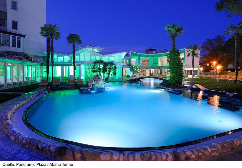 Panoramic Plaza Pool
