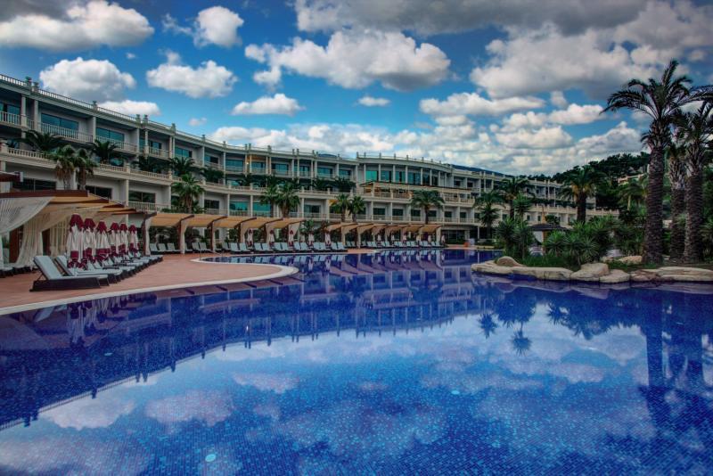 Vogue Hotel Bodrum Pool