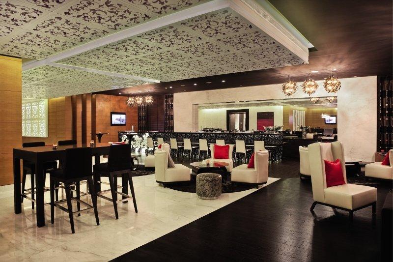 Sofitel Abu Dhabi Corniche Bar