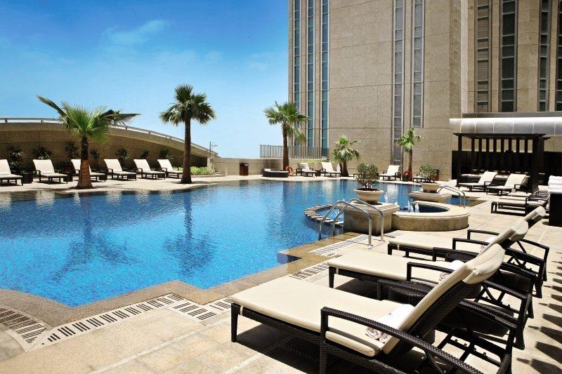 Sofitel Abu Dhabi Corniche Pool