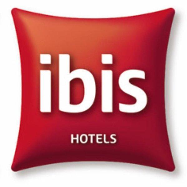 ibis Budapest Centrum Logo